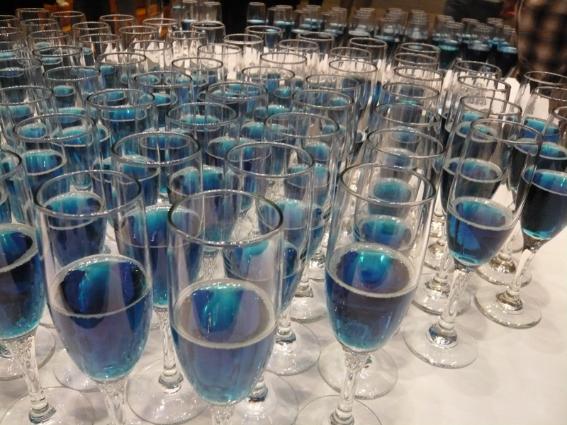 Blue_champagne